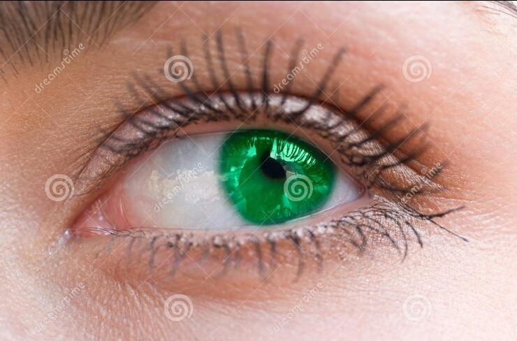 beautiful-woman-green-eye-6257094_edit.jpg?type=w2