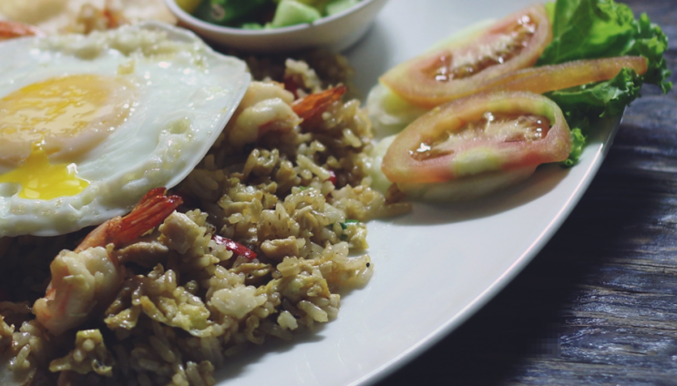 내가 먹어본 가장 특이한 음식은? - 깡꿍으로 만든 인도네시아 음식과 네덜란드의 맥주안주 헤링