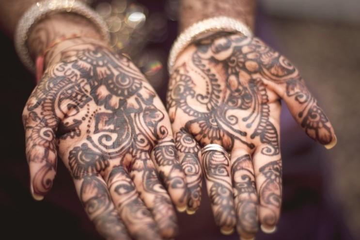 타투(문신)를 하게 된다면 어느 부위에, 어떻게 하고 싶으세요?
