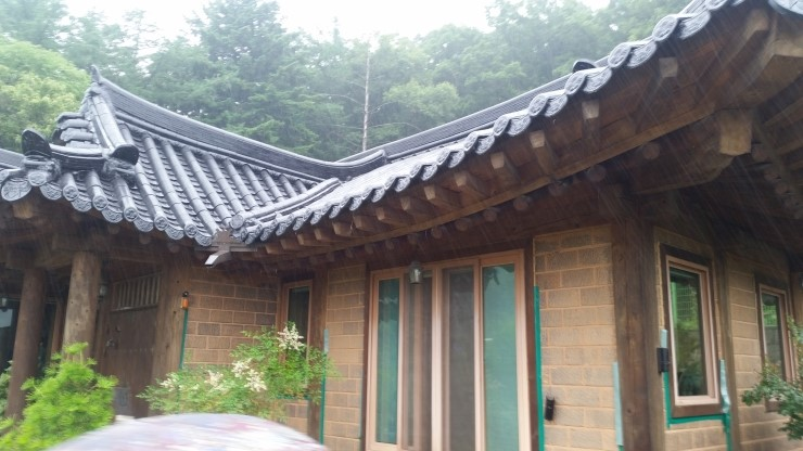 한옥 주택 기와 지붕 도장 기와 페인트 공사