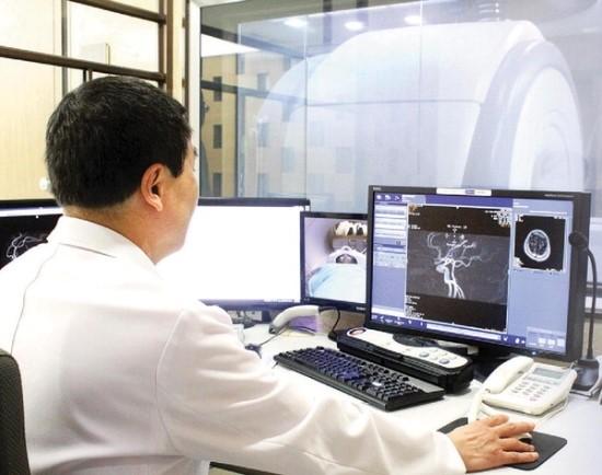 암 후유증·합병증 치료 입원땐 보험금 못 받아 - 알쏭달쏭 암보험 바로 알기