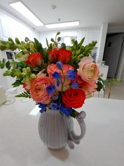 나를 위한 선물. 꽃 정기구독 - 모이