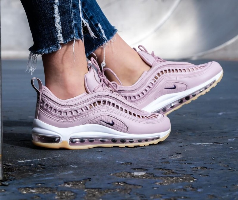 d28c8ca2a1 나이키 에어맥스97 울트라 17 SI 파티클로즈AO2326-600. Nike Air Max 97 Ultra '17 SI. Colour  Shown: Particle Rose/Summit White/Gum Yellow/Neutral Indigo