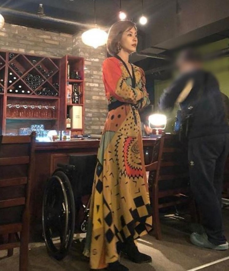 JTBC 금토드라마 '제3의 매력' 이윤지, 촬영현장 모습 공개…'멀리서도 빛나는 미모'