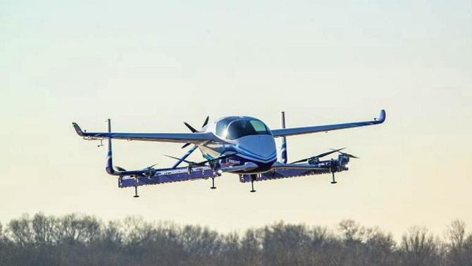 '플라잉카' 시험비행 성공, 비행택시 시대 온다