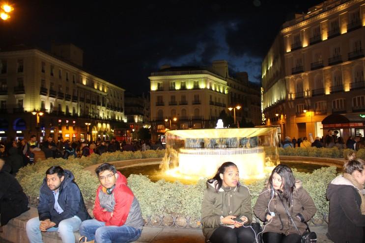 마드리드 솔 광장의 밤