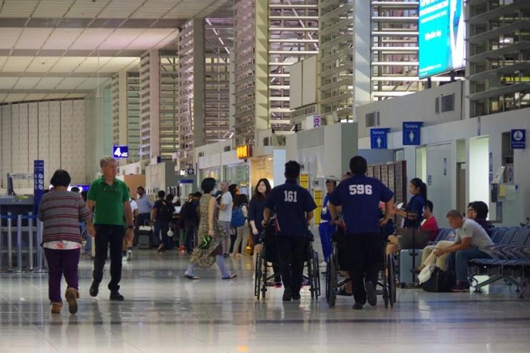 필리핀항공 이용법 : 수하물 규정 - 공항 내 무료 휠체어 서비스