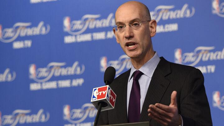 NBA 사무국, 이번 시즌을 아예 취소하는 쪽으로 고려하고 있다.