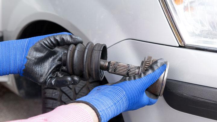 자동차 핸들 돌릴때 뚜둑 소리가 나거나 주행중 소음이 발생한다면 등속조인트 문제 교체/수리 비용은?
