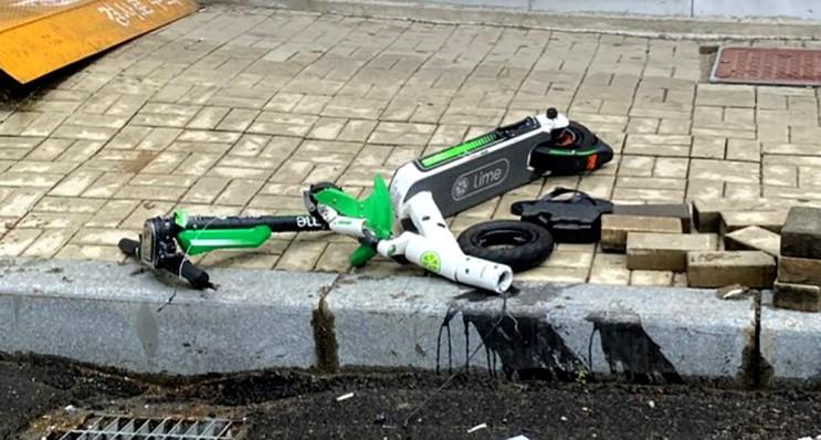 부산서 라임 공유 전동 킥보드 운전자 차량에 치어 사망, 횡단보도 무단횡단 도로교통법 위반