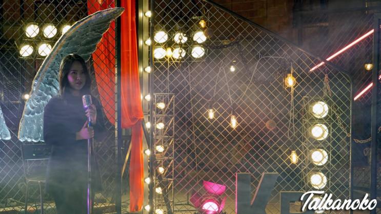 인스타 감성사진은 카페 발로에서! 특수효과 연출로 아련한 분위기 사진 담기 : 실제 영화 세트장 카페