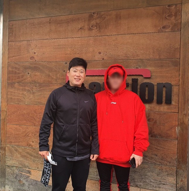 コション本社を訪問してくださったサムスンライオンズイウォンソク選手様