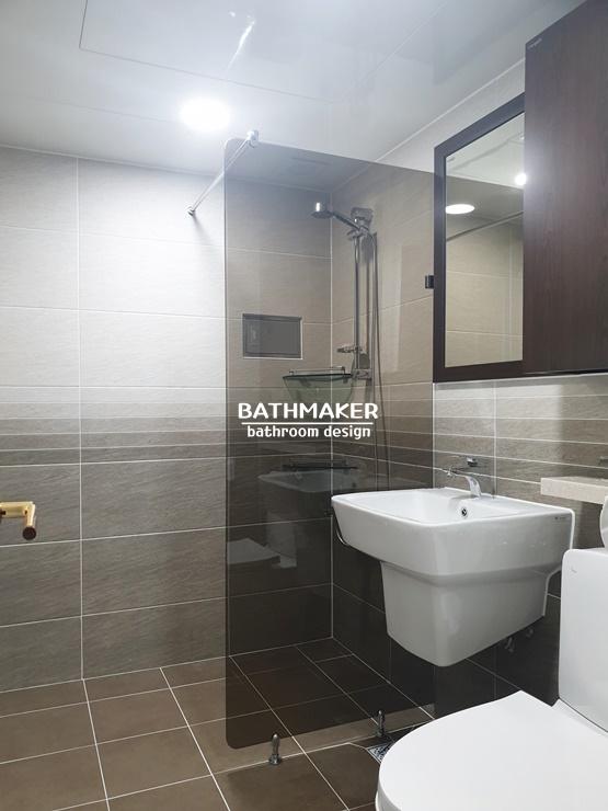 그라데이션 타일을 시공한 욕실, 따뜻한 느낌의 욕실, 의정부 신곡동 극동아파트 욕실리모델링