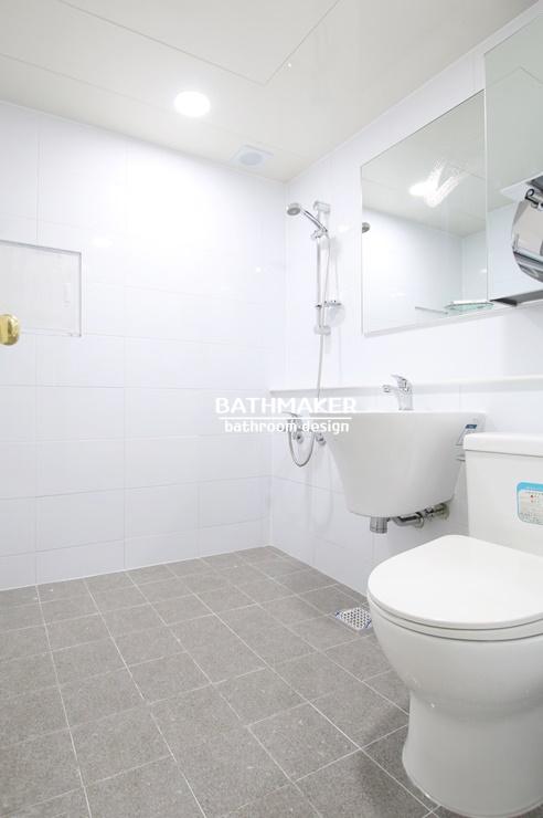 화이트 유광타일로 시공한 풍납동 대아아파트 욕실리모델링, 화이트 욕실 인테리어