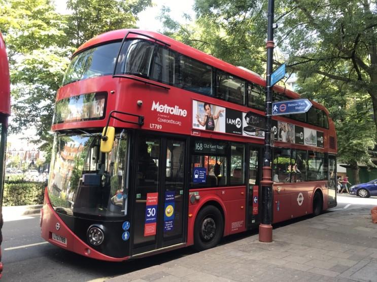 영국은 지금 록다운 중_버스 튜브 탑승시 마스크 착용은 필수