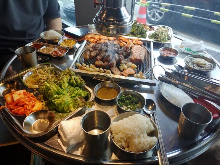[남춘천 고기 숯불구이 무한리필 맛집!] 넓은 매장, 다양한 종류 고기 숯불구이 무한리필 맛집!