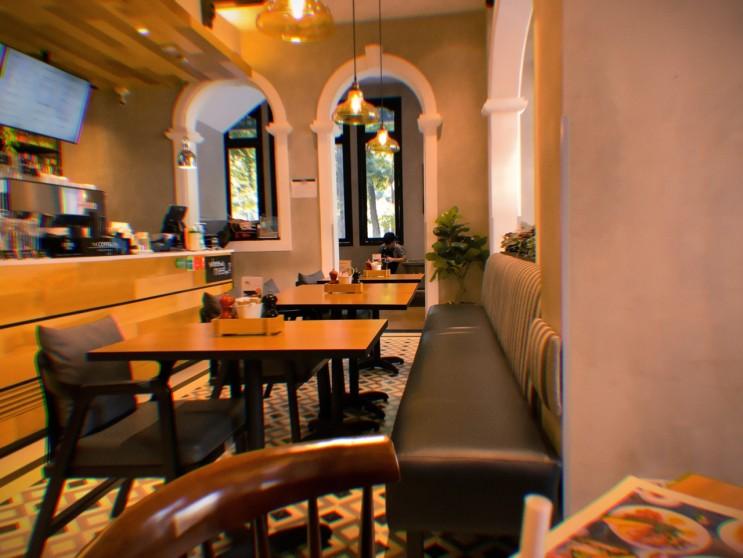 the coffee Club 호치민 노트르담 성당 주변 카페