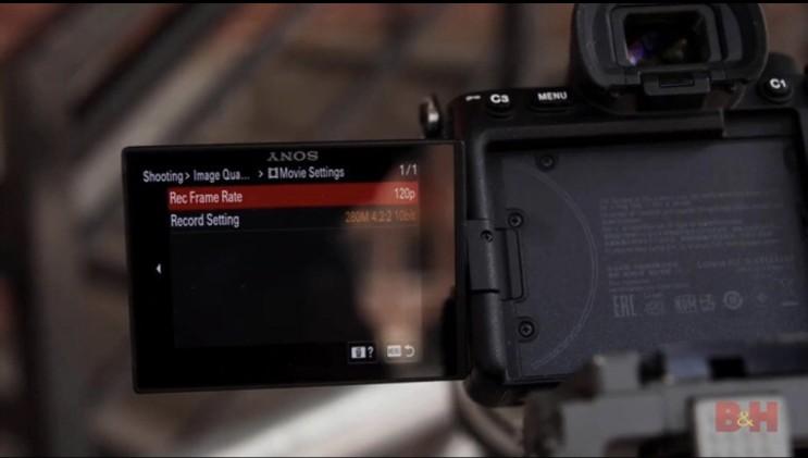 SONY A7 S3 의 실사용 유출 소식이 들려왔습니다