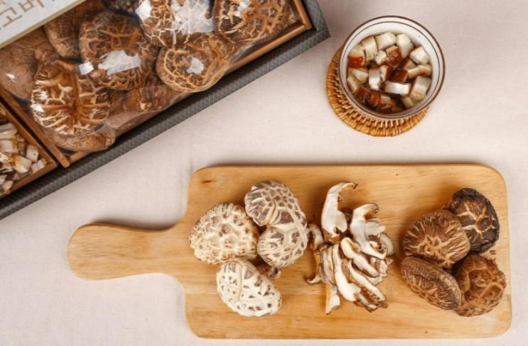 참나무 원목에서 재배한 국내산 하늘연 표고버섯 혼합세트 390g 선물용 버섯 정보