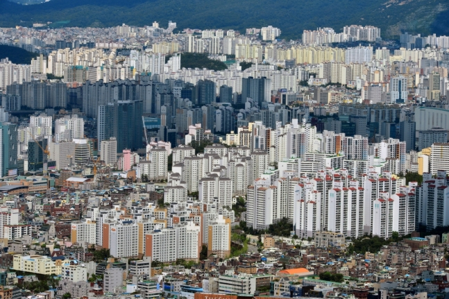 이사·임대료 걱정 '뚝'… 30년간 내집처럼, 국민·임대아파트 '매력'