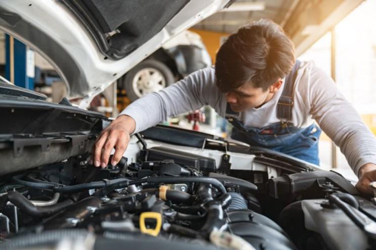 봄철 자동차 관리 방법 / 차량정비 / 와이퍼 / 타이어 공기압/ 오일 / 배터리 / 에어컨 점검