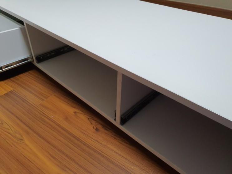 책상서랍을 완전히 빼내는 방법