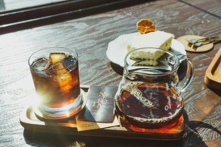 부산 남포동 카페, 엔틱한 데이트 장소 커피네루다