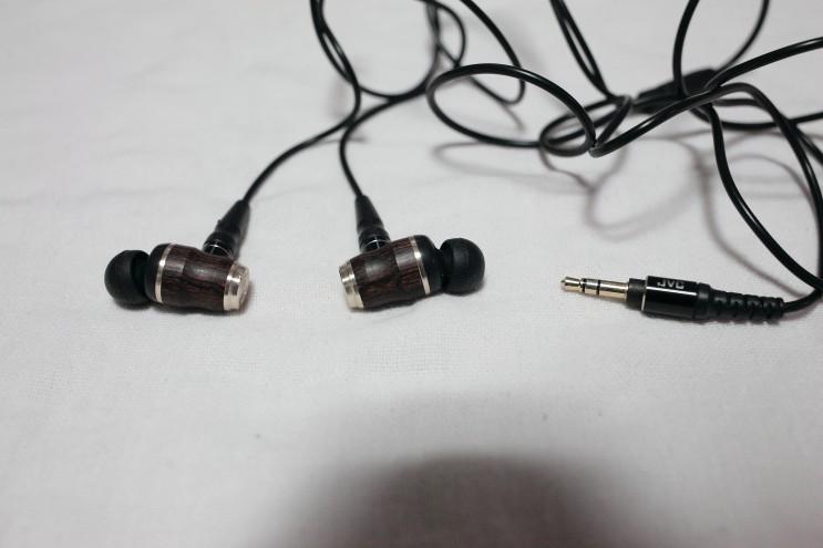 중저음 이어폰 JVC HA-FX750 : 재즈 어쿠스틱 클래식에 어울리는 이어폰
