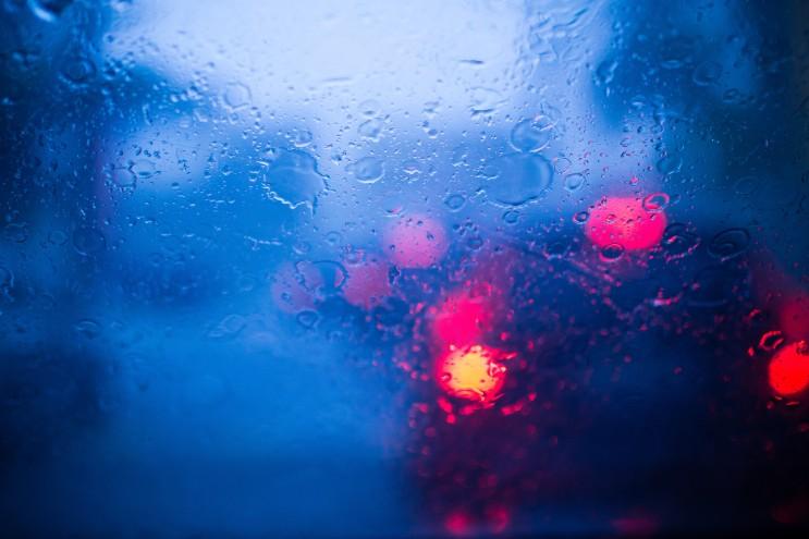 비 오는 날 드라이브 안전하게!!