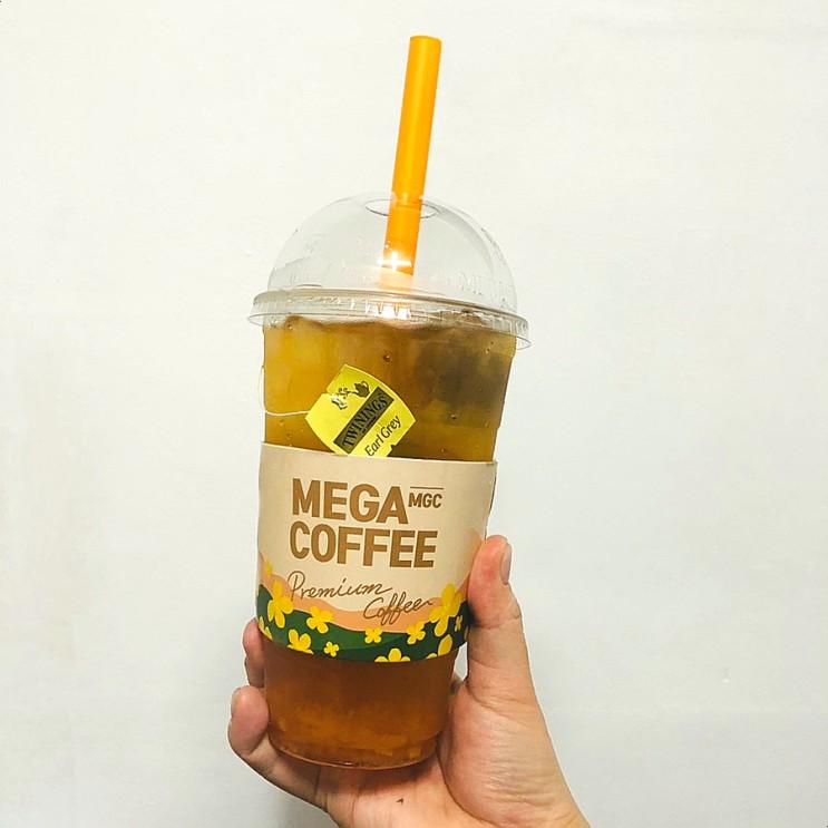 메가커피 아이스 허니자몽블랙티 스타벅스 맛비교 내돈후기 @경복궁역점