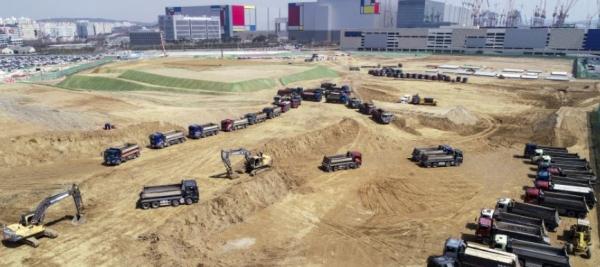 혈세로 진흙가져와 성토 평택 도로공사 부실논란?