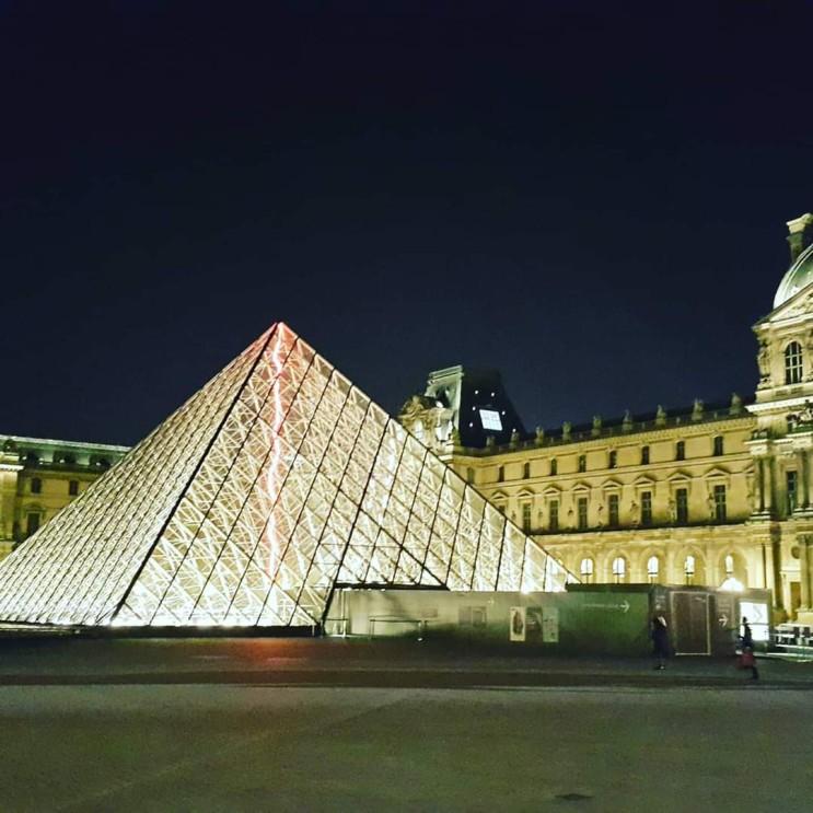 방구석 프랑스(파리)여행 - 파리 2일차(에펠탑,개선문,오르세,시청사)