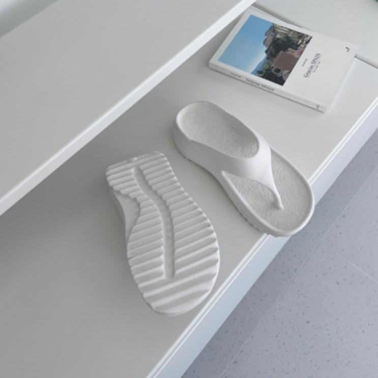 초경량 EVA 소재의 발편한 말랑 젤리 마시멜로우 통굽 쪼리 슬리퍼 4.5cm
