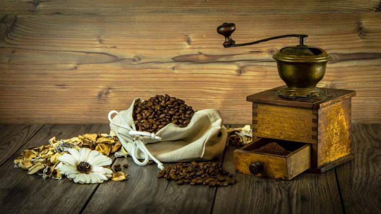 커피 분쇄의 중요성 그리고 커피 분쇄기의 역사