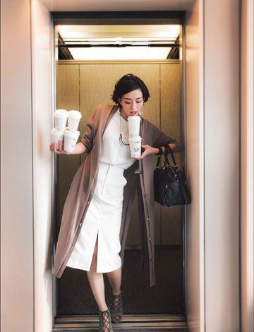 일본 잡지 화보 사진.엘리베이터 컷
