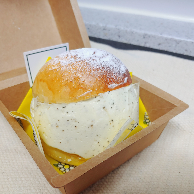 [인천] 청라 디저트카페 계란집딸들, 크림이 미친듯이 들어간 눈꽃빵맛집!