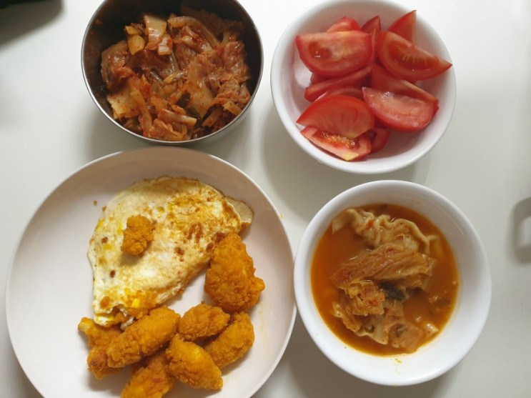 [오늘일기 4일차] 치킨과 만두국