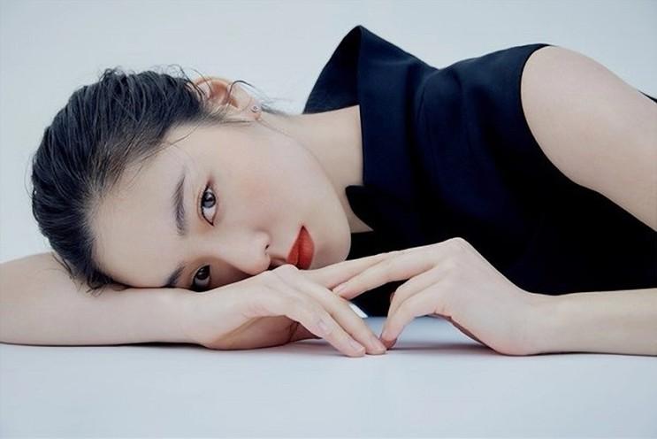 [ 셀럽의패션룩 ] 유니크한 매력, 배우 전여빈