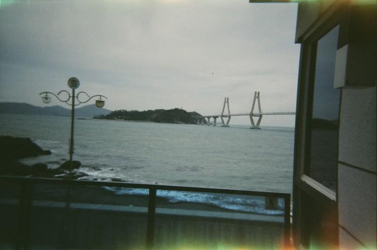 마카롱 카메라로 촬영한 사진들 특유의 필름카메라 감성이 사진에 그대로 녹아있어요