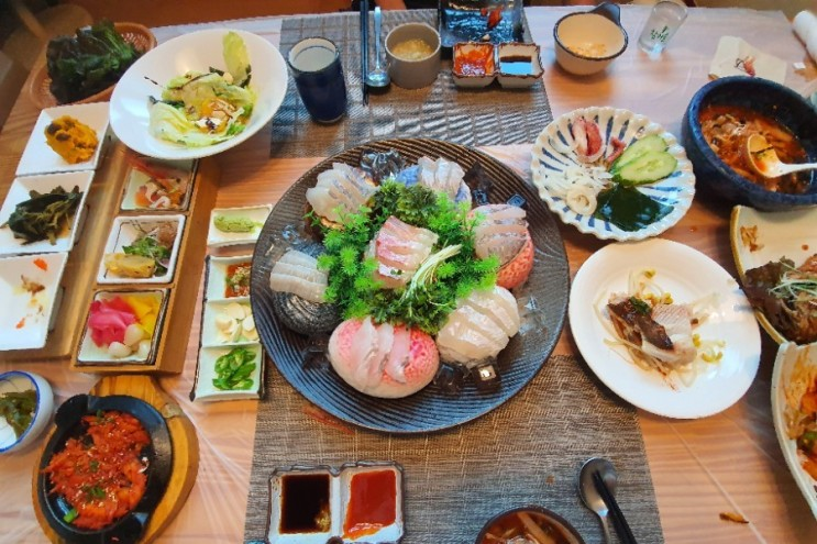 충북 진천 광혜원 맛집 마라도일식 에서 고급사시미 드시고 가세요.