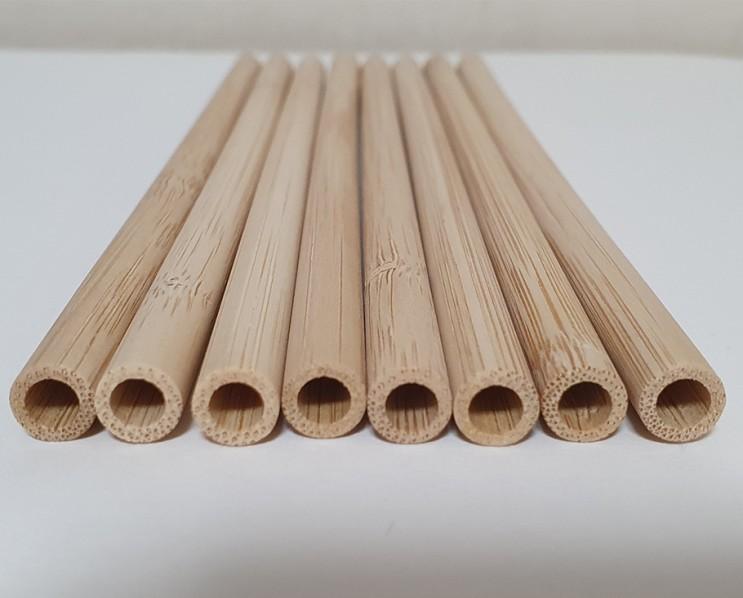 #대나무를 깍아 만든 대나무빨대