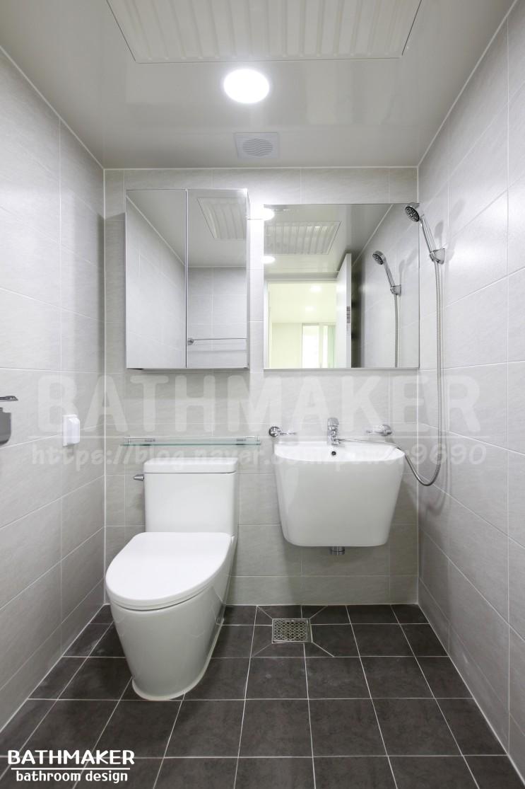 신성2차 안방부부욕실인테리어 - 작은욕실리모델링하기. 욕실장. 욕실선반.