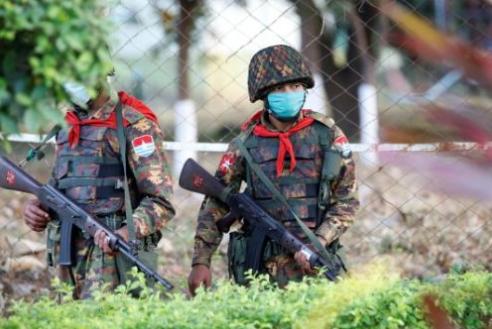 미얀마 군사 정부, 구금했던 여당의원 400명 석방