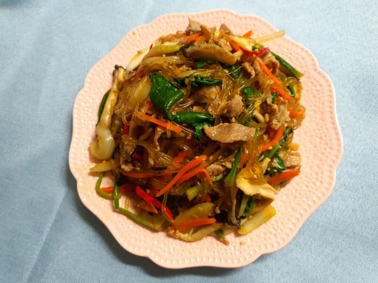명절엔 제대로 된 잡채를 드셔야 해요/잡채 황금 레시피 공유/잡채 양념장 만드는 법/당면은 반으로 줄이고 채소는 두 배로 늘린 건강 잡채 만드는 방법