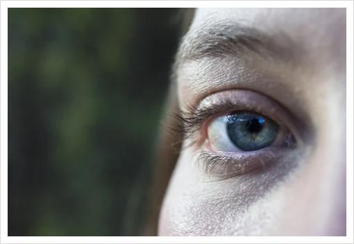 눈 떨림 증상 안면경련 방치하면 독, 예방법 알아보기