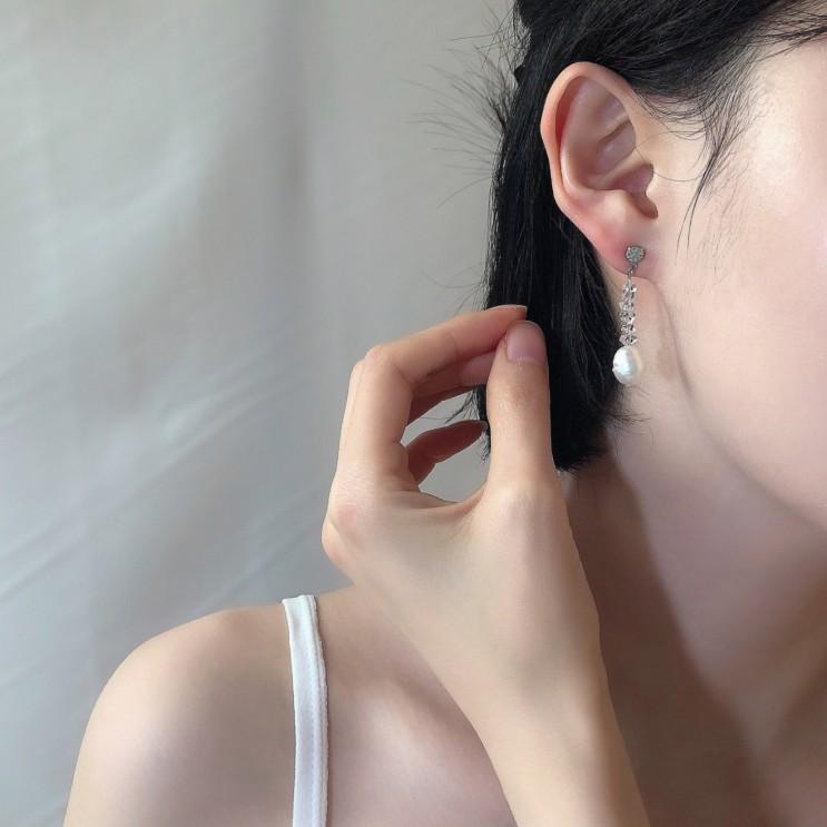 담수진주 크리스탈 써지컬스틸 드롭 화려한 심플한 귀걸이 tear drop earrings 디라이트 신상 공유