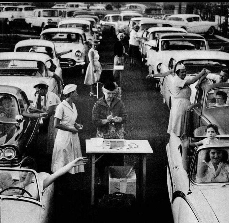 단체 소아마비 백신 접종 사진 Historic Photos