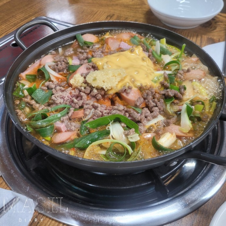 수원 정자동 밥집 송탄부대찌개 오랜만에 마늘맛 시원하게 먹으려면 콩나물